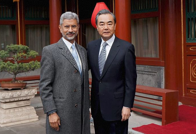 Jayshankar-with-chinese-counterpart